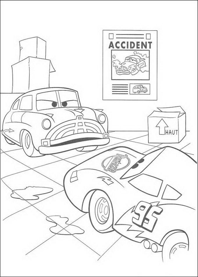 kleurplaat cars disney onenigheid met bliksem mcqueen