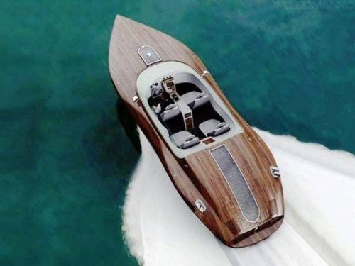 Un bateau de luxe taillé pour la vitesse