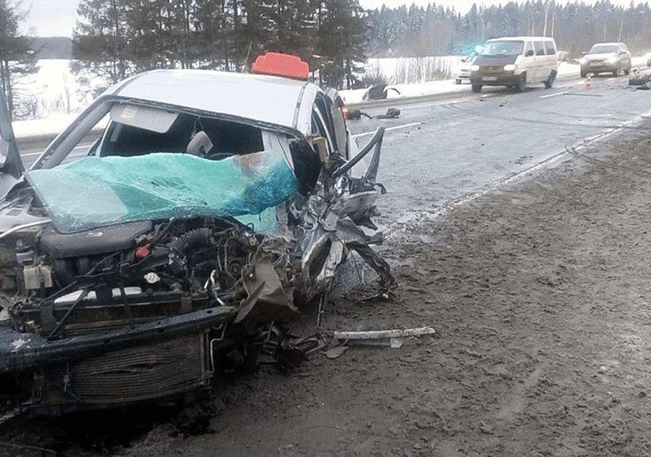 Таксист на Мазде погиб в смертельном ДТП на трассе М8 | #ТаксистыРоссии: http://tkru.ru/threads/taksist-na-mazde-pogib-v-smertelnom-dtp-na-trasse-m8.8753/