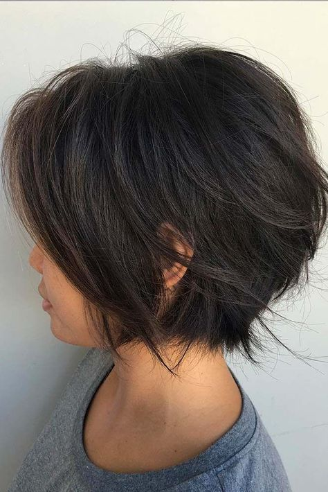 Best 25 Short Layered Bob Haircuts Ideas On Pinterest Layered Bob Haircuts Layered Wavy Bob