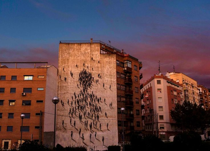 Spanish Muralist Suso33 paints a new Street Art Piece On The Streets Of Madrid, Spain.