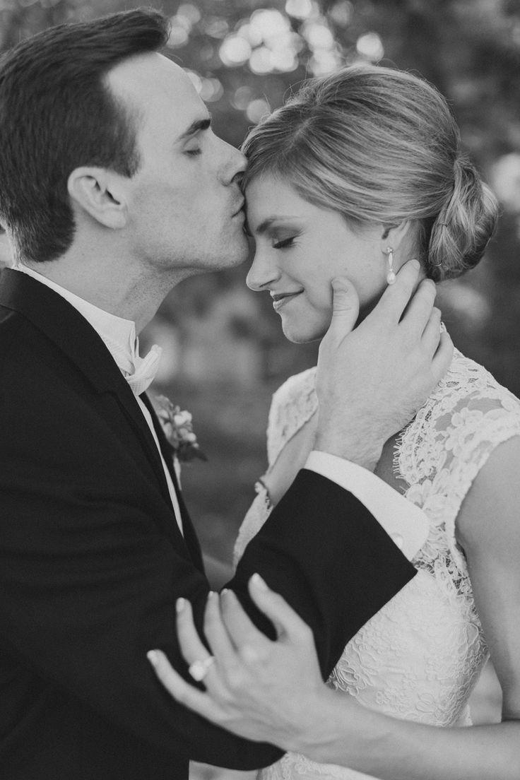 Photography: Almond Leaf Studios - www.almondleafstudios.com/  Read More: http://www.stylemepretty.com/little-black-book-blog/2014/10/15/romantic-rose-hill-plantation-wedding/