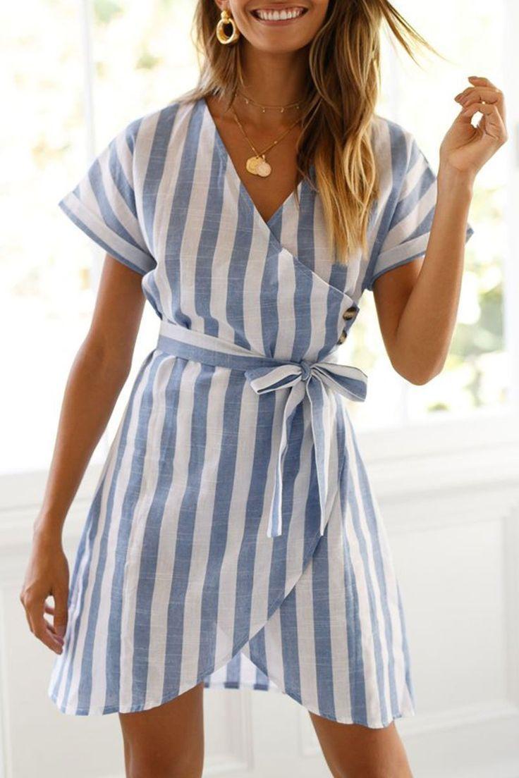Pin De Dresses Em Damen Mode Fruhling Spring Outfits Blusas Sociais Vestido Traspassado Roupas [ 1104 x 736 Pixel ]
