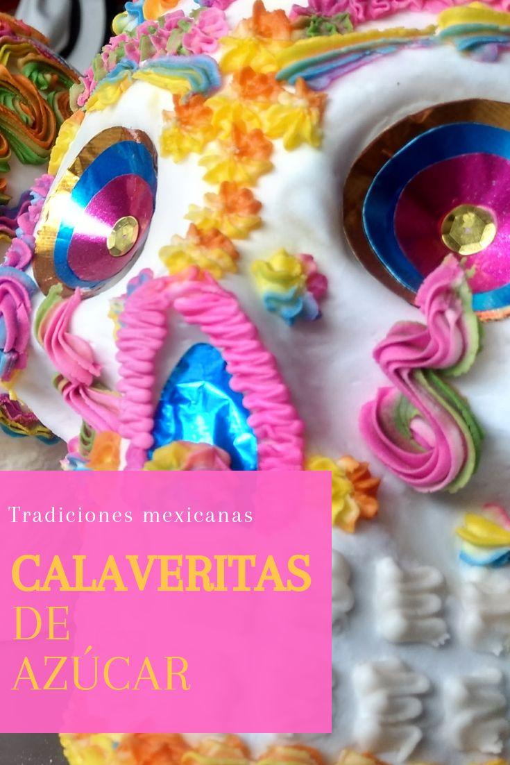 Las calaveritas de azúcar son una artesanía exclusiva para la celebración de Día de Muertos del 1º y 2 de noviembre. La tradición nos dice que las calaveritas se sitúan en el altar con el nombre de nuestros seres queridos en la frente. Estas calaveritas de azúcar se preparan con azúcar blanca y una pasta de clara de huevo, azúcar glass y colores vegetales para su decoración.  ¿Estás listo para celebrar el Día de Muertos? Altar, Mexican Food Recipes, Party Ideas, Gastronomia, Gourmet Desserts, Sweets, Recipes, Sugar Glass, Gift Guide