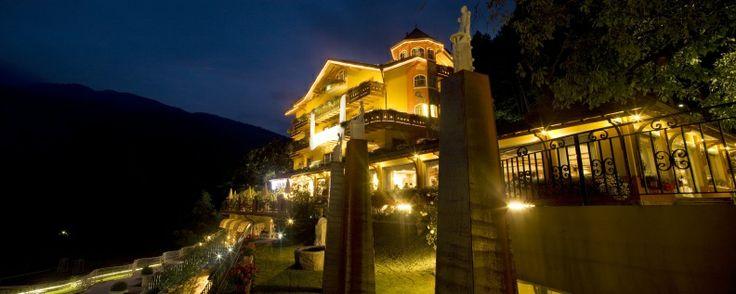 Das Hotel Panorama in Fai della Paganella bei Nacht. Mehr Informationen unter: http://www.selectedhotels.com/de/hotel/alp-wellness-sport-hotel-panorama