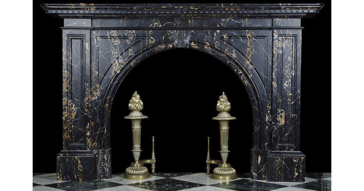 Стильный камин из мрамор Микеланжело. Мраморный камин из Michelangelo. Marble fireplace - classic style. http://www.jet-stone.ru/izdelija/zakazat-kaminy-iz-mramora-mramornye-kaminy-na-zakaz