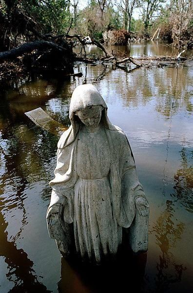 New Orleans, US. Hurricane Katrina, parish Saint Bernard, September 2005 (Donatien Garnier). Collectif Argos.