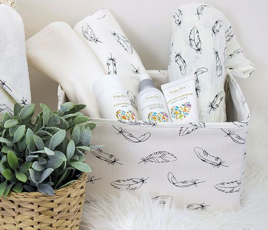 Luxuriously soft and environmentally sound, our Organic Feathers collection is a stylish option for every baby.