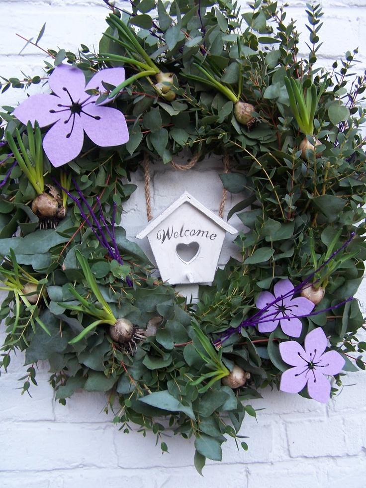 Beautiful Easter Wreath add eggs