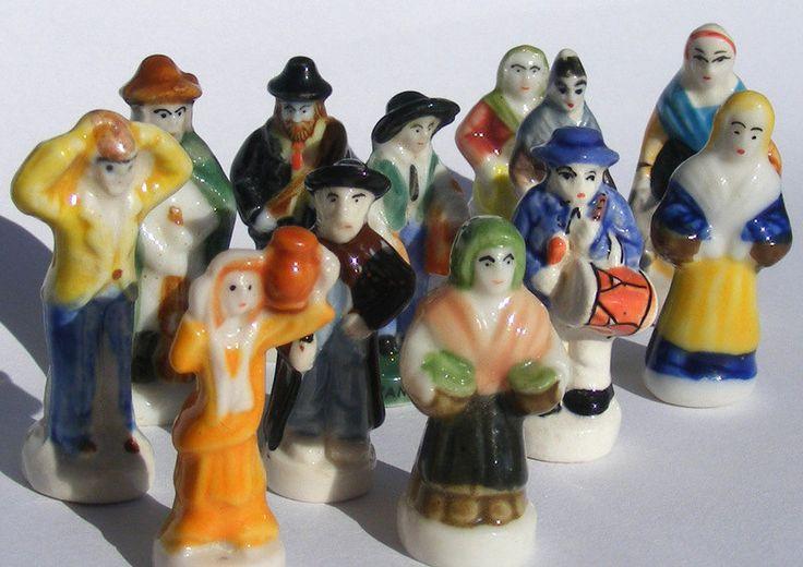"""Fèves des gâteaux de Rois - """"Men and Women"""" -12 figurines - Peint à la main - Miniatures de collection - Fabophilie de la boutique SouvenirFrancais sur Etsy"""