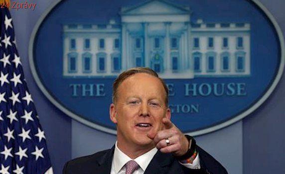 Nebudeme lhát, ale interpretovat fakta odlišně, řekl Trumpův mluvčí Spicer
