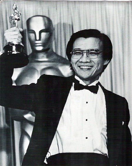5/24/14  2:48a  The Academy Awards Ceremony 1985: Haing S. Ngor   Best Supporting   Actor Oscar  for ''The Killing Fields'' 1984  Mejor Actor de Reparto