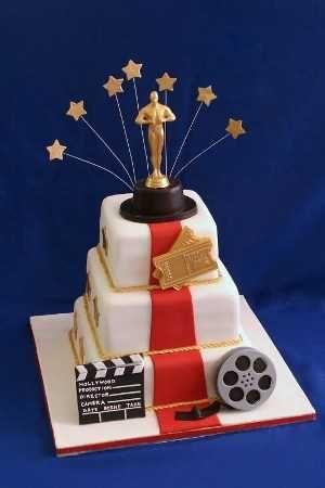 Opciones de tortas para una fiesta de 15 con temática de Hollywood | Chica de 15