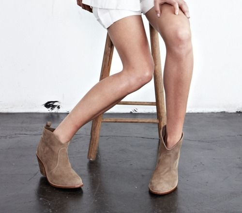 bootsShorts Boots, Shoes, Su Booty, Cowboy Boots, Style, Ankle Boots, Fall Trends, Suede Booty, Fashion Boots