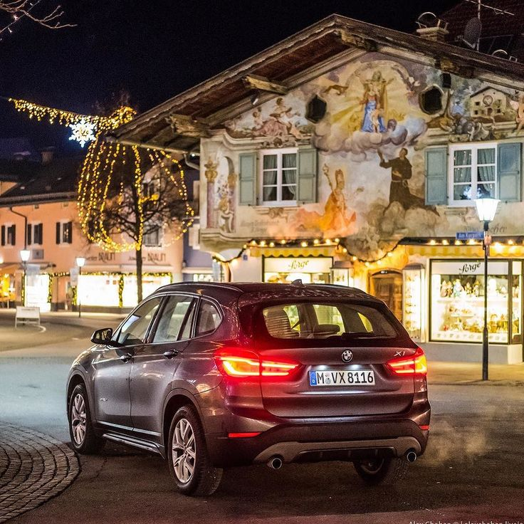 Discover winter 2017/18!  Christmas Germany with #Sixt.   Night mood in Garmisch-Partenkirchen Bavaria Germany. . #garmishpartenkirchen #SixtMoments #Sixt #SixtDE #SixtCH #SixtAT #АвтоВПрокат #VisitBavaria #VisitGermany #SheerDrivingPleasure #BMW #1series #BMWrepost #skiing #alps #exploretocreate #munichandthemountains #bmw #bmwlovers #bmwnation