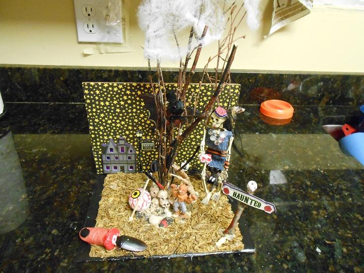 ba6277d80ea282d7516e4e3d547a6a8d cardboard crafts halloween ideas