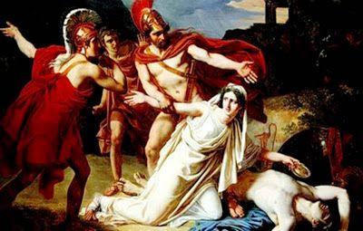 Antígona era uma das filhas do Rei Édipo de Tebas, nascida da sinistra e trágica união entre Édipo e sua mãe Jokasta. Apesar de sua origem sombria, Antígona tinha um caráter leal e amoroso. Quando ocorreu a derradeira expulsão de Édipo do reino de Tebas, cego e perseguido pelas fúrias, Antígona guiou seu pai durante os anos em que ele vagou por várias terras.