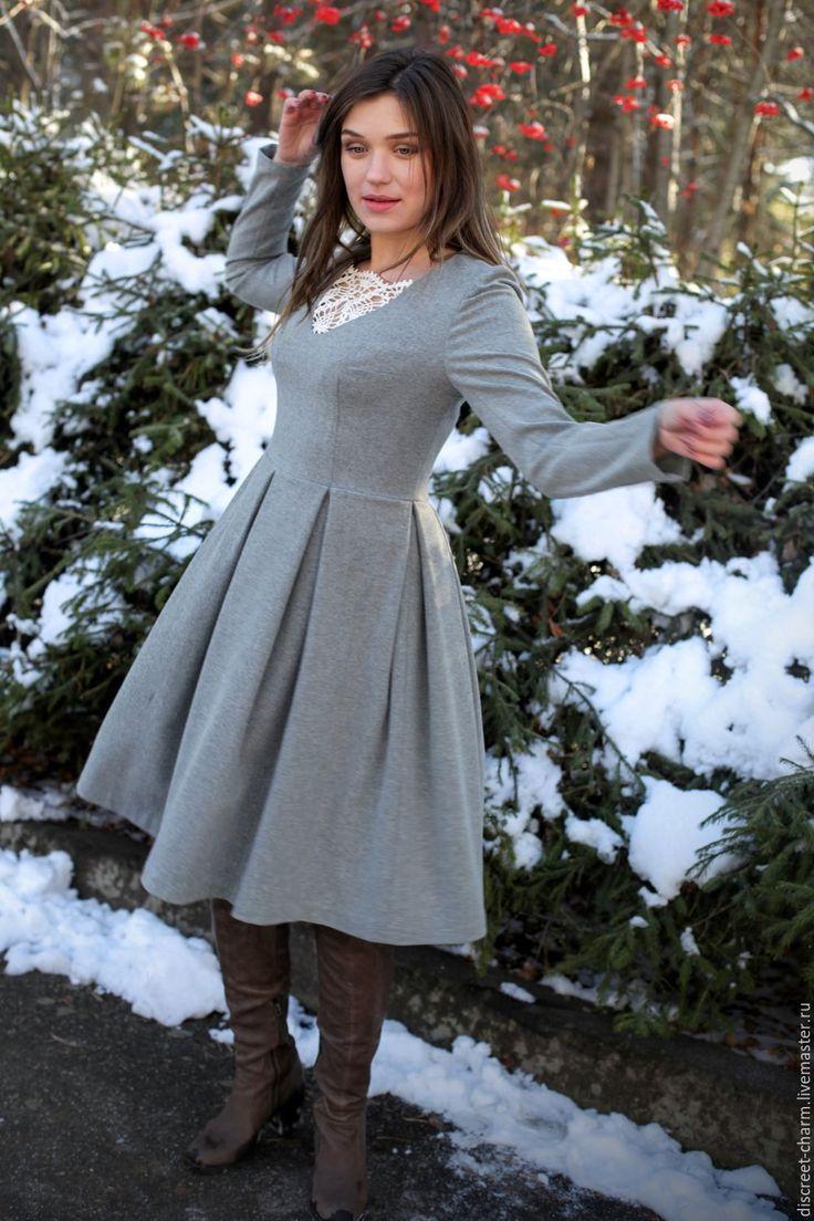 Купить Теплое шерстяное платье, серое с кружевной вязаной вставкой - платье на каждый день