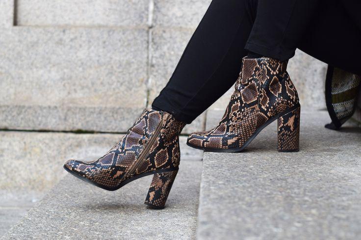 Woolen Cape & Snakeskin boots