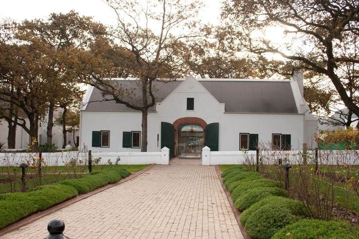 While the title of this article is the Top 5 wine lodges in South Africa, it would be remiss to not mention their source – The Cape Winelands. Boasting award-winning cuisines, exceptionally high quality wines, and some of the most beautiful vineyards in the world, the Cape Winelands are well worth a visit.