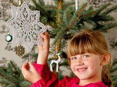 Julstjärna. Gör enkel för toppen på julgranen, eller dubbel för adventsstjärna och häng i fönstret.