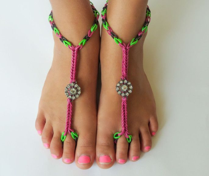 Loom bands for feet - Top 5 things you can create from Loom Bands [www.ebay.co.uk/...] #GotADiscount @eBay_UK #ebayguides.