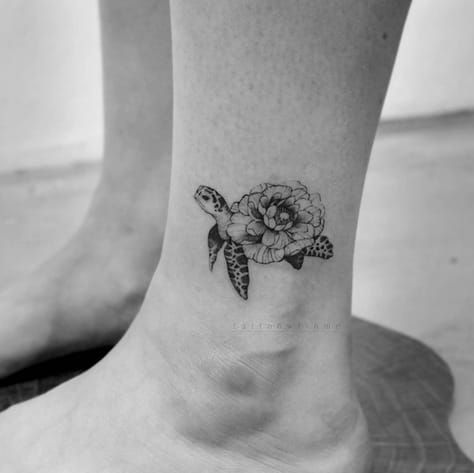 90 Amazing Tattoo Designs for Women in 2018