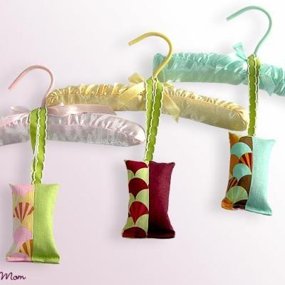 Sew A Hanging Sachet {Tutorial}