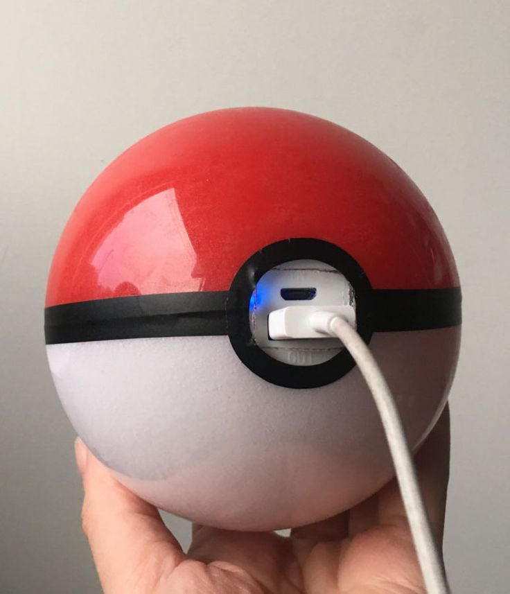 Pokeball Portable Charger waaaaaaant!!!