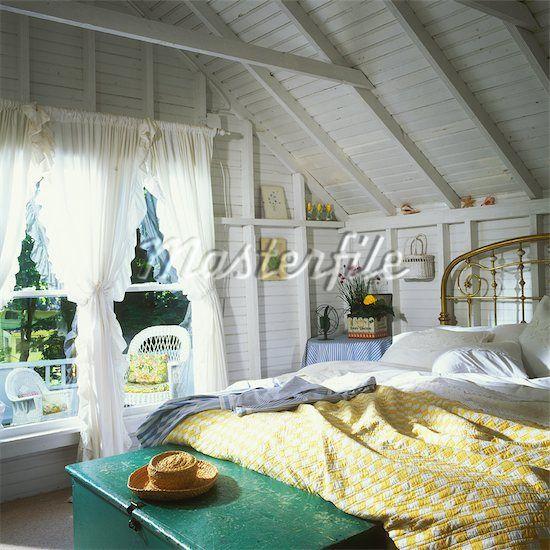 Beautiful Lake House Decor Inspiration: Home Decor & Inspiration