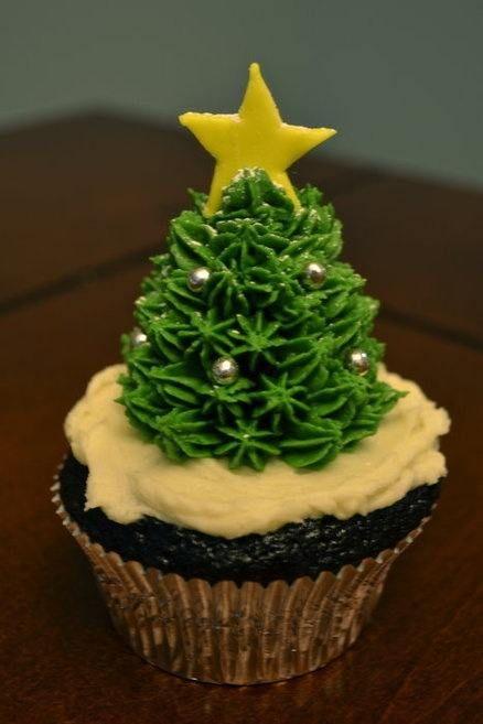 beautiful christmas cupcakes 27