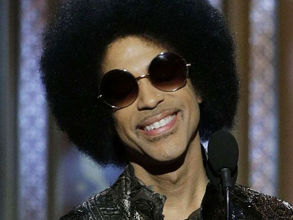 """Prince is not mincing his words when it comes to new artists in the music industry.From his Paisley Park Studios in quiet suburban Minneapolis, the singer sat in on a rare chat with 10 reportersfrom the National Association of Black Journalists to share his agenda to eliminate the """"indentured servitude"""" of record contracts and give …"""