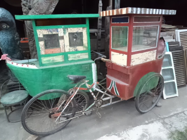 Traditional Javanese Food Cart - Bali Sourced on FacebookFood Carts, Bali Retreat, Bali Sources, Javanese Food, Traditional Javanese, Java Indonesia