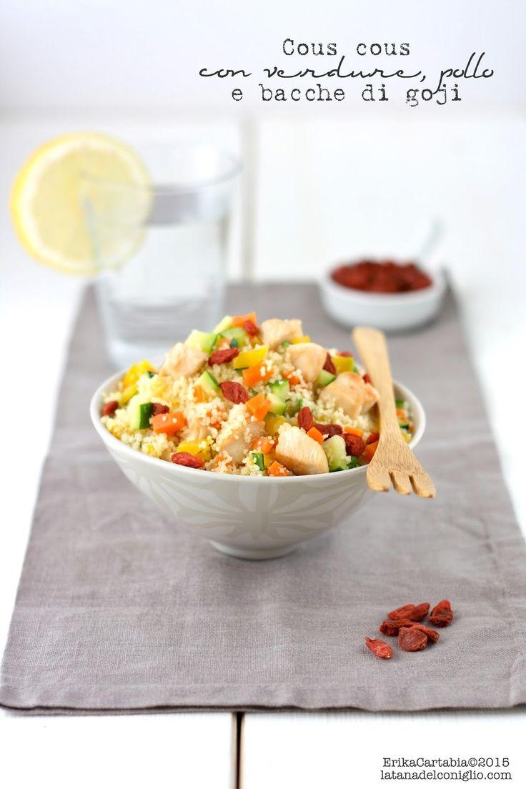 La tana del coniglio: Cous cous con verdure, pollo e bacche di goji