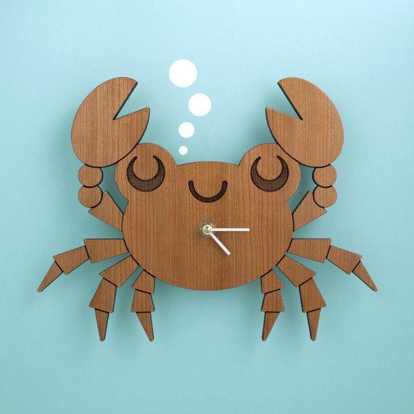 Crab Wooden (Cherry) Clock - www.graphicspaces.com
