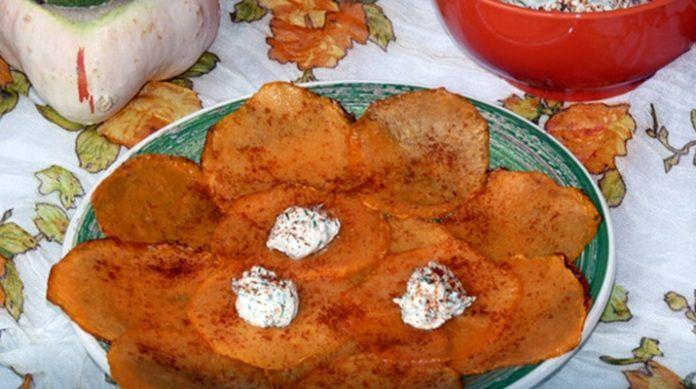 Полезные чипсы из тыквы со сливочным сыром