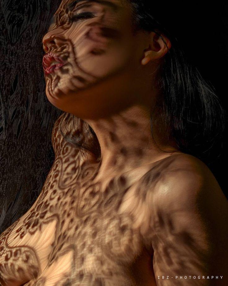 #photosesion #photoconcept #photography #conceptualphotography #artphotography #shadowtatoos #shadows #indonesiangirl #boudoir #boudiorphotography #sexy #sexymodel #iamnikon #phototakenbyme