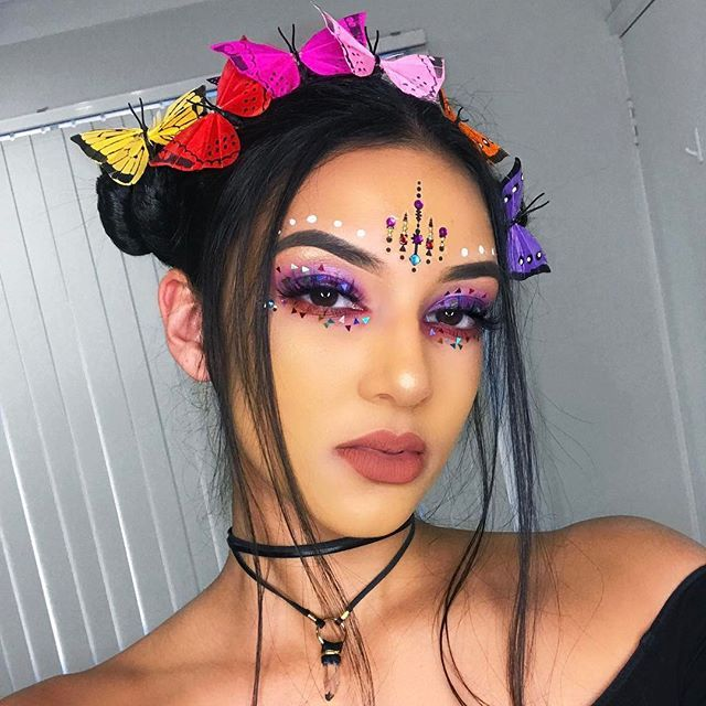 Any recommendations for amazingly bright, neon, pigmented shadows? Particularly yellow, orange and reds 🌈🌈🌈 ---- BROWS #ABHbrows @anastasiabeverlyhills dipbrow in #darkbrown EYES @morphebrushes 35b palette // @jazzy_glitter on the lid/under eyes LASHES @lillylashes in Hollywood JEWELS @itsinyourdreams LIPS @anastasiabeverlyhills 'Ashton' liquid lipstick BUTTERFLIES @wildandfreejewelry CHOKER @rawcrystalsjewellery