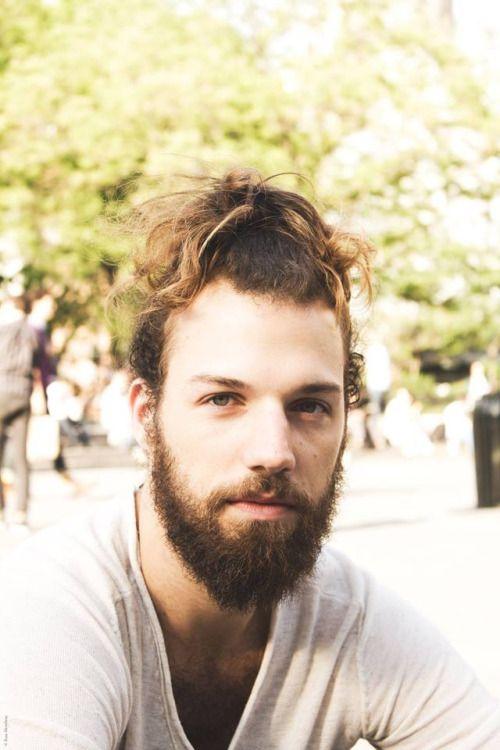 "beardsftw: ""fckyeahantm: ""Phil Sullivan | Cycle 20 Photo: Ross Mowbray Photography "" [[ Follow BeardsFTW! | Tumblr | Facebook ]] """