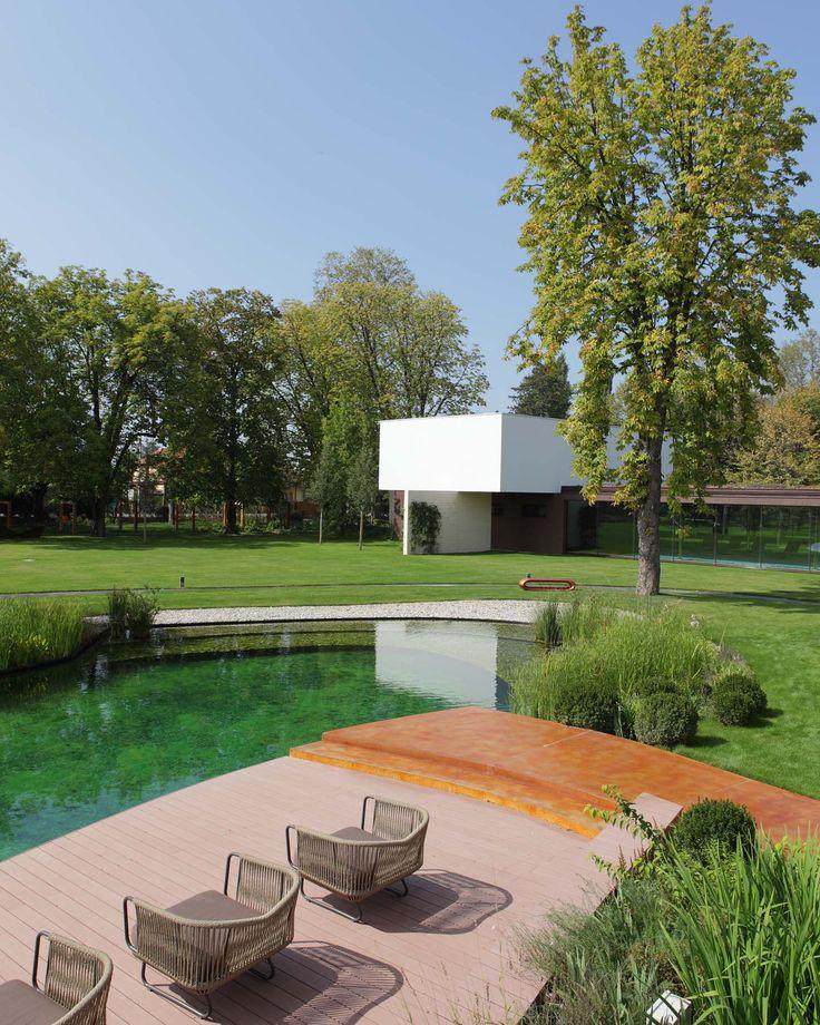 Effetto ambra per questo originale ponticello esterno realizzato con il nostro #PavimentoAcidificato! #croatia #maison