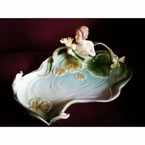 Porta cartões em porcelana no estilo Art Nouveau,