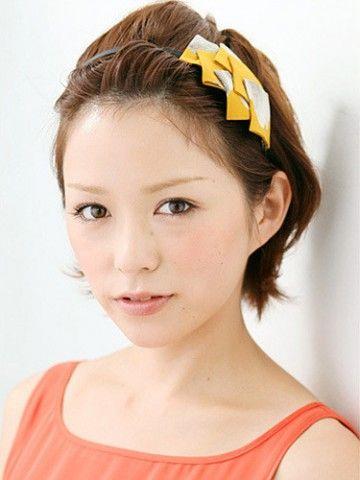 ショートカット×ひし形顔さんにオススメのパーティヘアスタイル☆カチューシャで作る簡単ポンパドールアレンジで小顔効果抜群な髪型♬