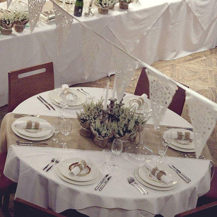 25 Cute Hessian Table Runner Ideas On Pinterest Rustic