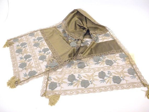 High end placemat decoration table runner by ClassyInteriorsDeco