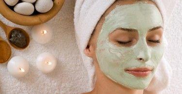 """Una de las clases de exfoliación para la piel es la llamada exfoliación química, más conocida como """"peeling"""" que puede tener diversos significados, como descamación o exfoliación."""