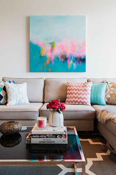 Rushcutters Bay Apartment - Emma Blomfield Interior Stylist Sydney. Living Room. Clean and Fresh. Coffee Table Style. Books and Flowers. Pink and Blue Interior.