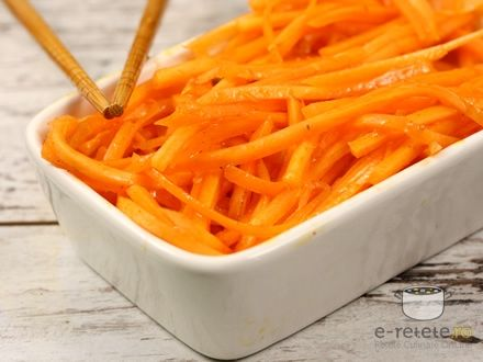 Salata de morcovi marinati