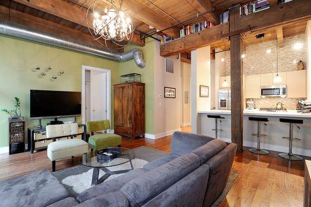 Amazing 1 bedroom loft in North Center, Chicago #loft #modern nothing like it in the area for purchase or for rent $299,500 purchase or $2150/ mo rent. email mike@avenuerealtyllc.com