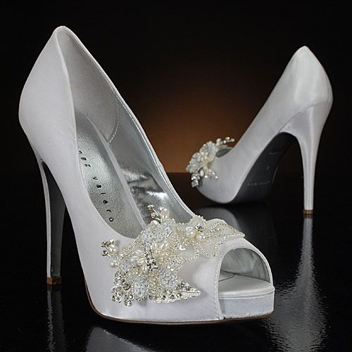 There is nothing quite like a classic pump or peep-toe. I love the decoration on the shoe. Super elegant and classy. Called High-Society by My Glass Slipper