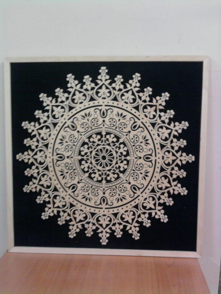 Güneş Duvar Panosu... 50 cm x 50 cm... Siyah süet kadife üzeri, 3 mm ital huş kontraplak...